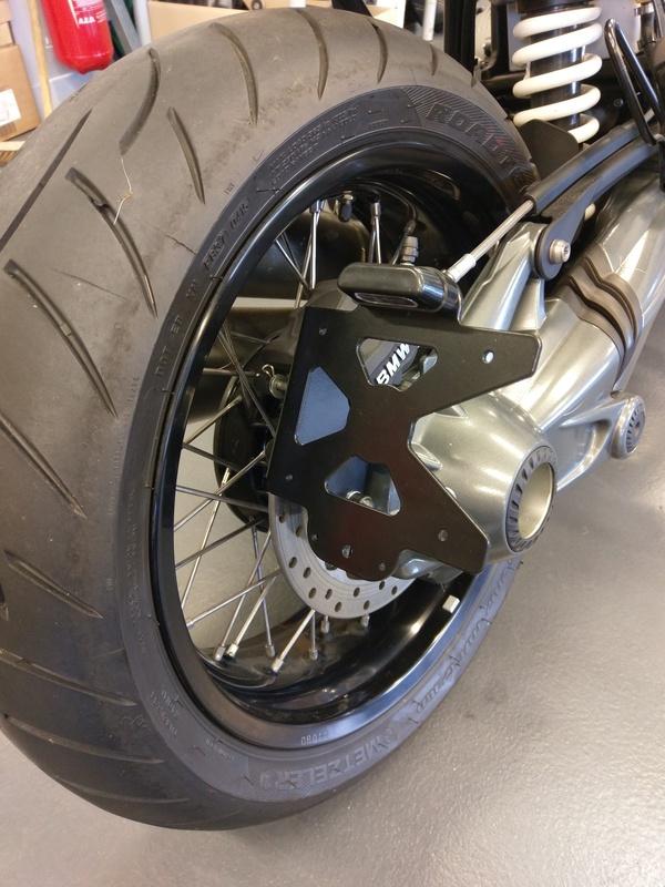 Support de plaque ACCESS DESIGN latéral noir BMW R Nine T1200