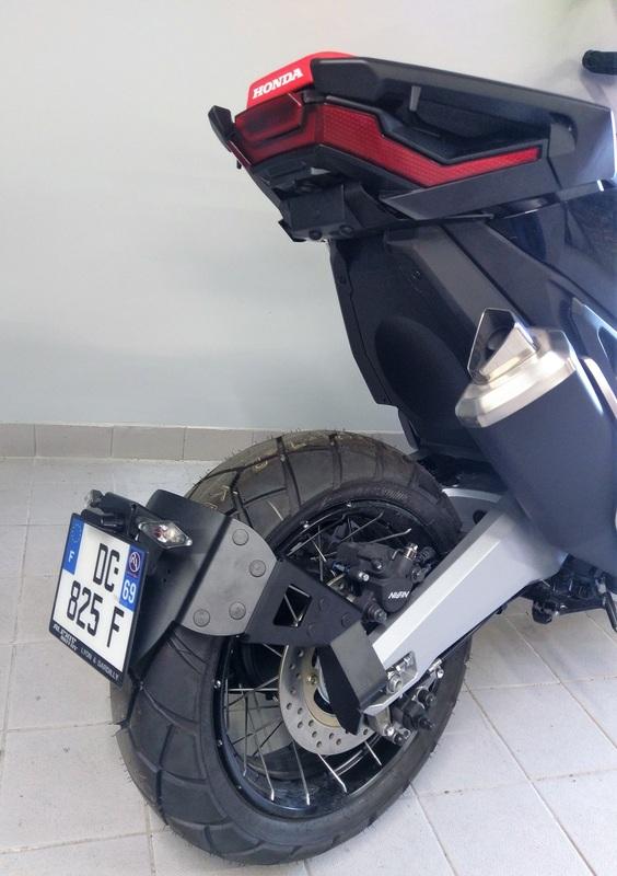 Support de plaque ACCESS DESIGN ''ras de roue'' noir Honda X-ADV