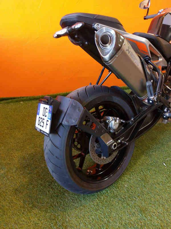 Support de plaque ACCESS DESIGN ''ras de roue'' noir KTM Duke 790/890