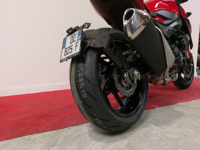 Support de plaque ACCESS DESIGN ''ras de roue'' noir Suzuki GSX-S750