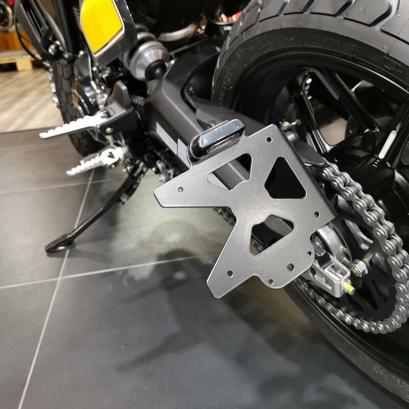 Support de plaque ACCESS DESIGN latéral noir Ducati Scrambler 800