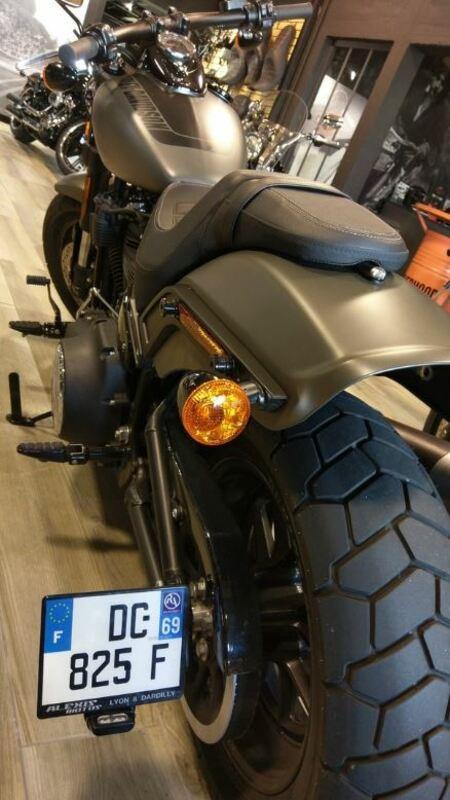 Support de plaque ACCESS DESIGN latéral noir Harley Davidson Fat Bob 114
