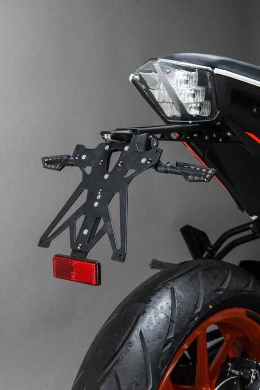 Support de plaque ajustable LIGHTECH KTM Duke 790