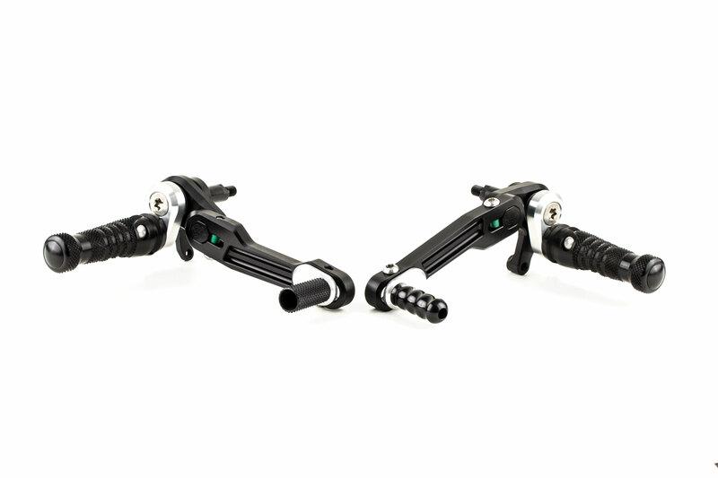 Commandes reculées ajustables GILLES TOOLING RCT10GT noir/argent Ducati Scrambler 800/1100