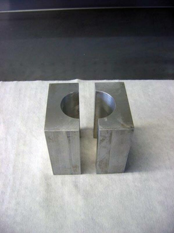 Brides de tube de fourche KAYABA Ø48mm
